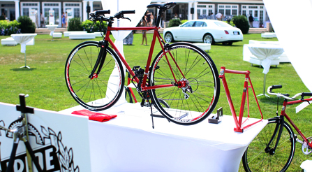 Outstanding vehicles at the Brunch with Bentley-show-urban-bicycles-high-performance-noncompetitive-street-bikes-IRIDE-Italian-sweet photo